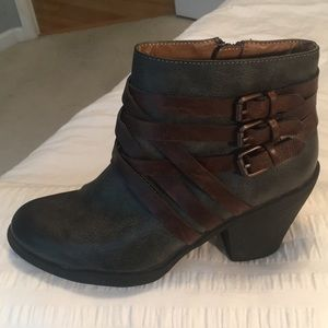 Euro Soft Charcoal Booties